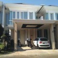 Rumah Di Larizwood PAKUWON INDAH, Surabaya Barat